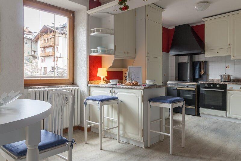 Fantastica casa di 100mq, due bagni, garage, location de vacances à Ponte di Legno