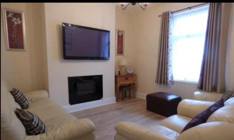 SOUTH LAKES TOWNHOUSE, holiday rental in Dalton-in-Furness