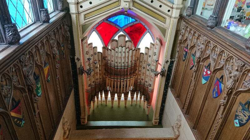 Eccentric Gothic Welsh Chapel Sea Views Sleeps 8, holiday rental in Llwyngwril