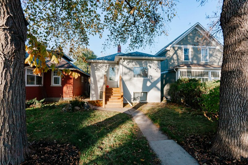 ❤️The City Park Charmer❤️, holiday rental in Saskatchewan