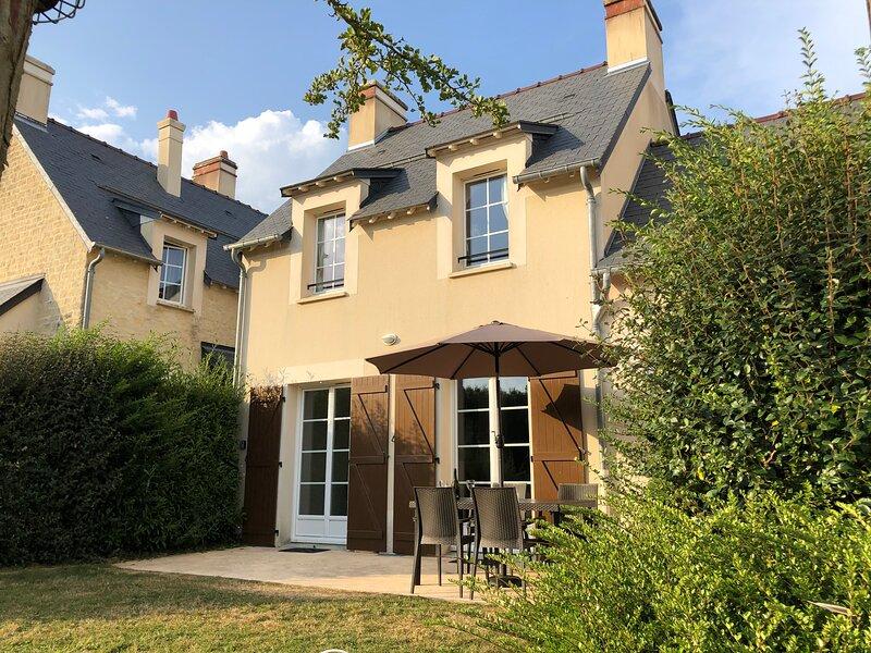 115 Green Beach, Port en Bessin, Normandy, holiday rental in Colleville-sur-Mer