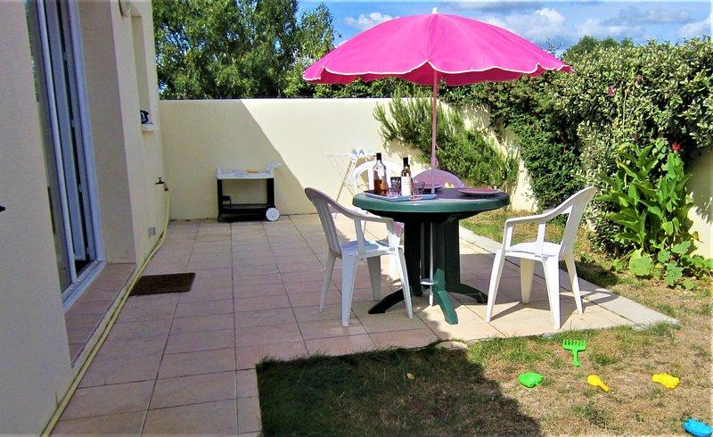 aucalm6à8pers1séj+2chamb(+1à15e/nuit)terrasse jardin parking clos, vacation rental in Nuaille d'Aunis