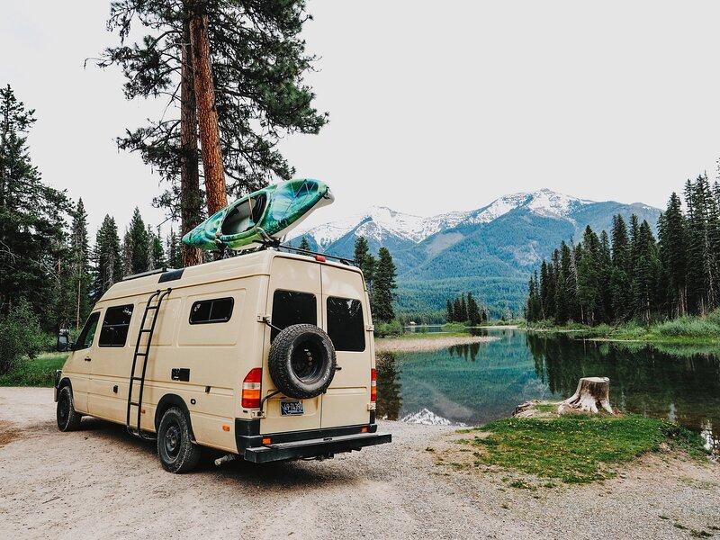 Campervan Rentals and Custom Van Conversions, location de vacances à Livingston
