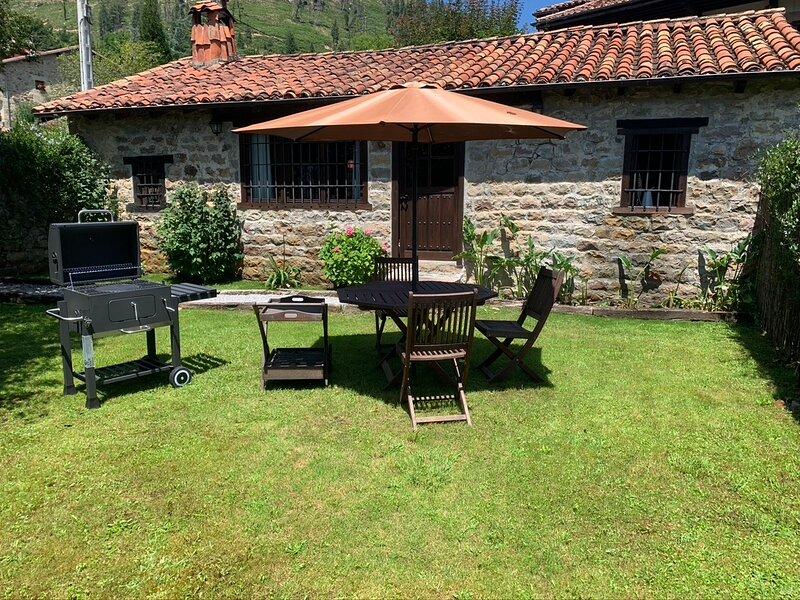 Casa independiente con jardín en Cabuérniga, holiday rental in Reinosa