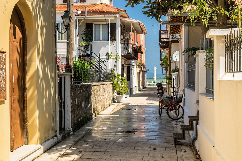 THE STREET HOUSE, holiday rental in Mytikas