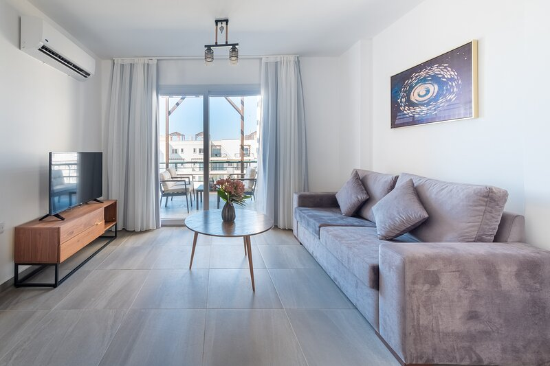 Blossom Penthouse & Spa Tub with Sea View, alquiler vacacional en Yeni Erenkoy