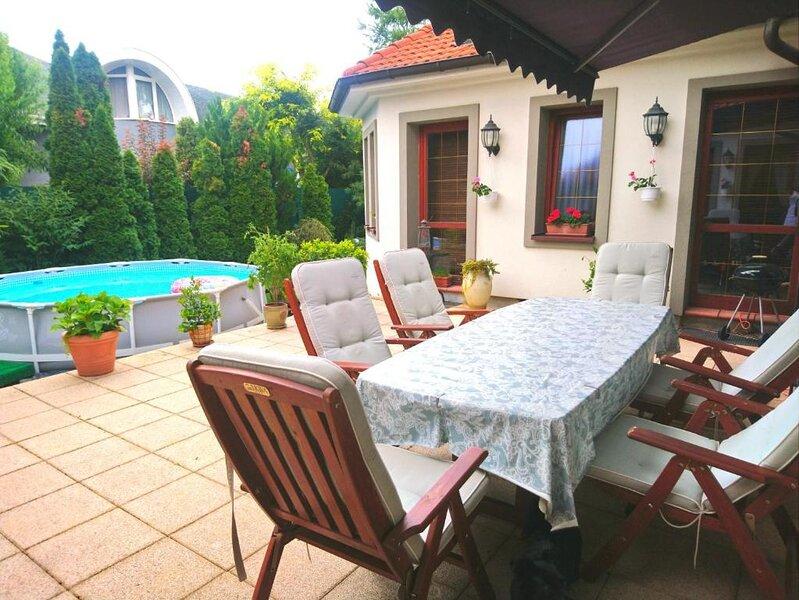 Spacious house with terrace & Wifi, location de vacances à Trnava Region