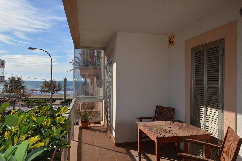 Bonito apartamento Ca'n Pastilla primera línea, holiday rental in Es Pillari
