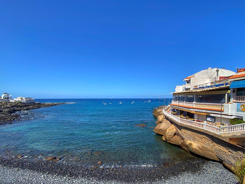 La Caleta Luxury Penthouse Duplex 15% discount 28/06/2019 to 07/07/2019, holiday rental in La Caleta