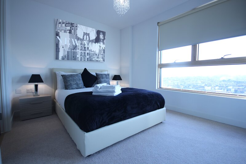 Modern and Stylish 2 Bedroom in central Reading, casa vacanza a Reading