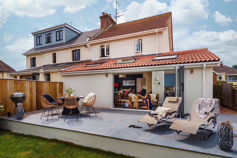Littlefields - Stylish, modern cottage with large garden, close to beach, holiday rental in Seaton