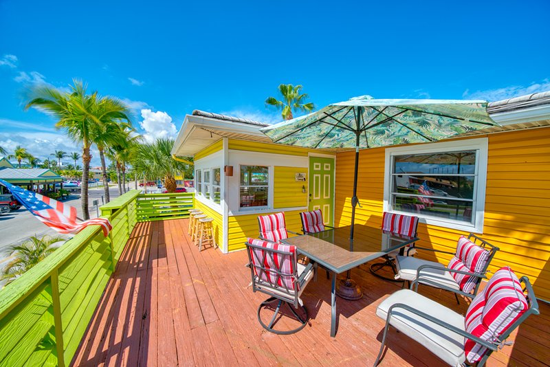 Gulf Moon at Blue Chair Inn, vacation rental in Fort Myers Beach