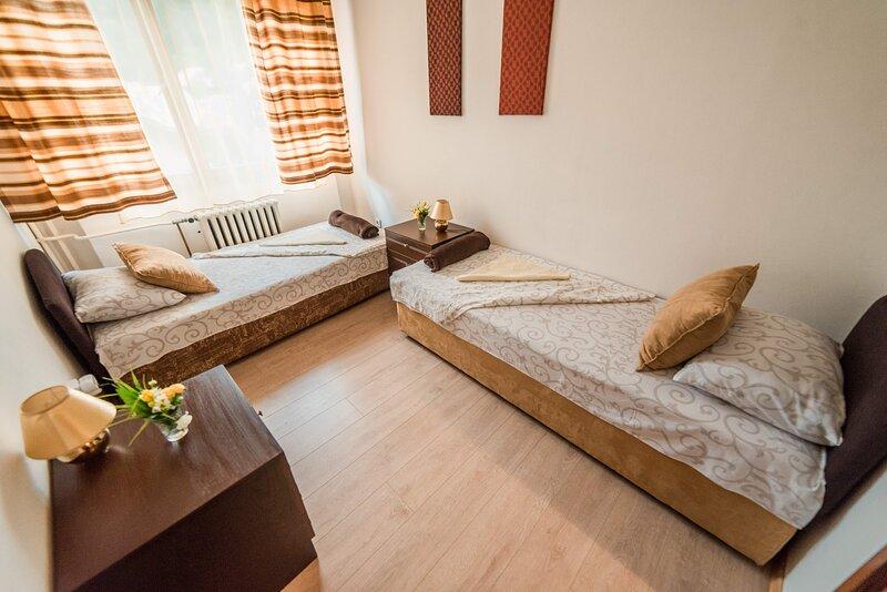 GH Pasha*** - Brown 2, alquiler vacacional en Tuzla