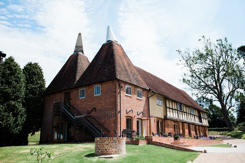 2 Weaver's Cottage - email for a discount on 3 - 6 night stays, vacation rental in Rolvenden