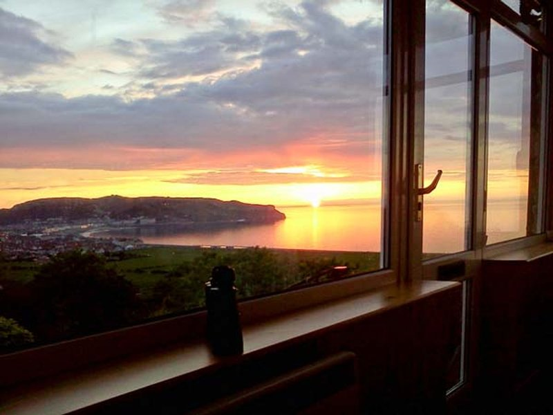 Two Bays and the Orme View Cottage, Llandudno, location de vacances à Penrhyn Bay