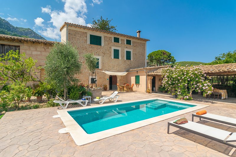 VILLA FRONTERA - Villa for 6 people in SÓLLER, holiday rental in Llucalcari