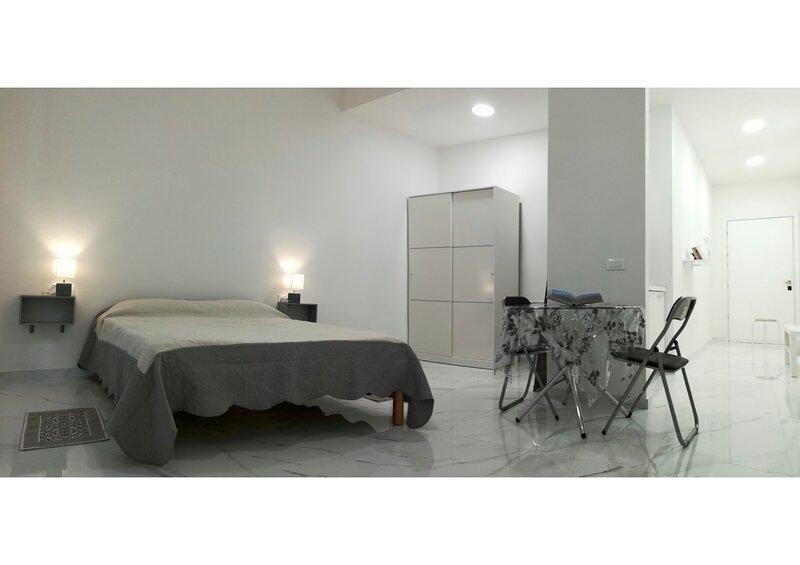 GUEST ROOM CENTRO STORICO IGLESIAS, location de vacances à Fluminimaggiore