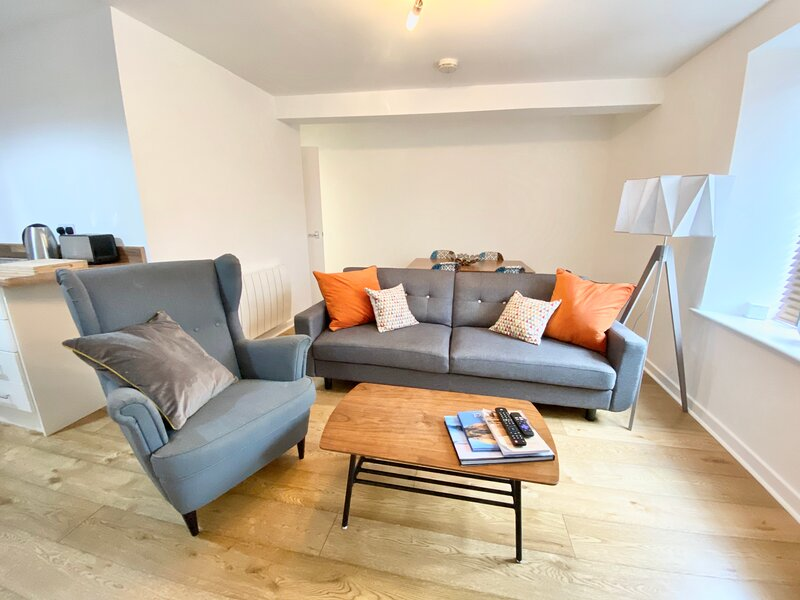 Nordic 2 Bedroom Apartment in Ulverston Town Centre (Double or Twin Beds), casa vacanza a Bardsea