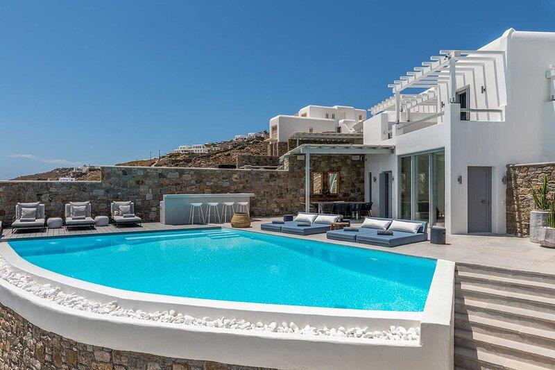 Mykonos Villa Sleeps 8 with Air Con - 5863839, holiday rental in Agios Sostis