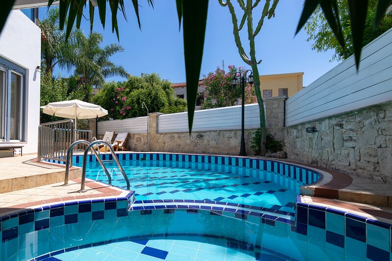 Large villa,Fantastic views,Private pool,Near tavern,Picturesque village, holiday rental in Mesi