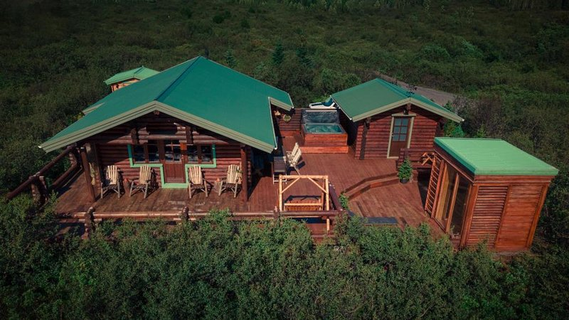 Log Cabin and Guests house, holiday rental in Selfoss