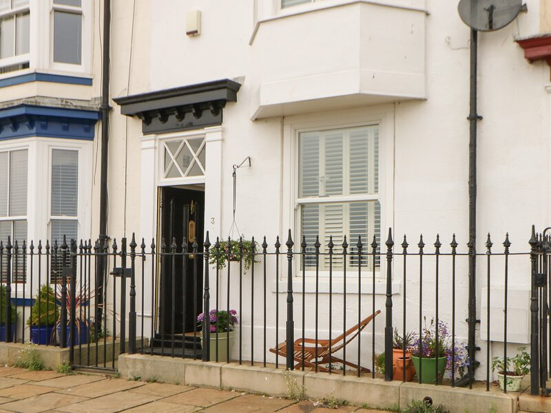 York Place Gallery, Hartlepool, holiday rental in Norton