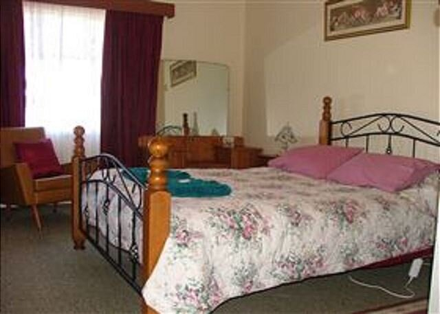 Kirazz House Kingscote family friendly close to beach jetty fishing, holiday rental in Kangaroo Island