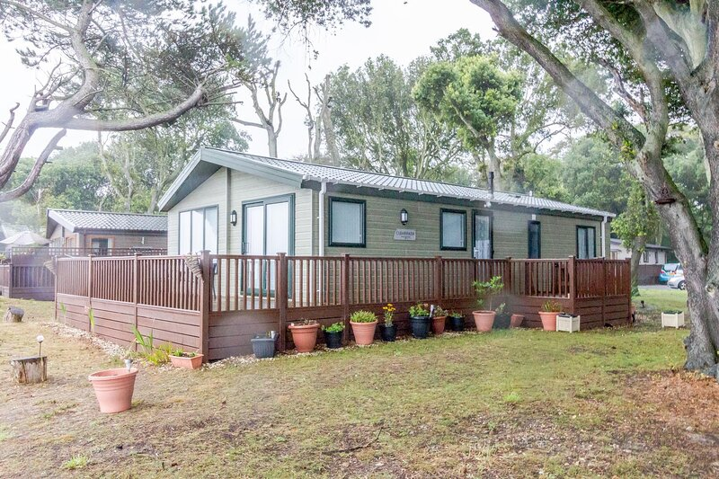 Luxury lodge with full sea views at Azure Seas in Suffolk ref 32005AS, holiday rental in Corton