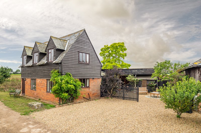 The Granary, beautifully refurbished house in rural Suffolk, holiday rental in Nayland