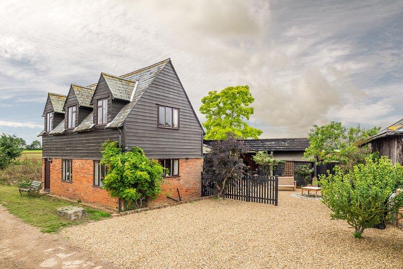 The Granary, beautifully refurbished house in rural Suffolk, casa vacanza a Dedham