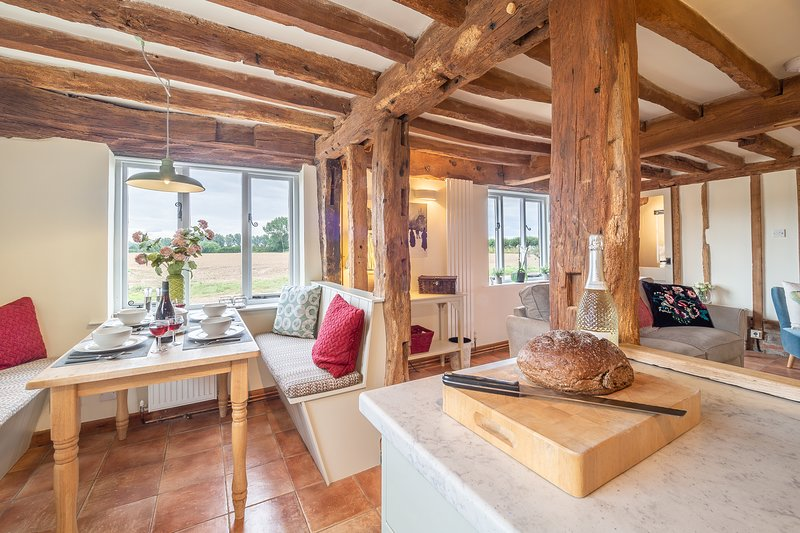The Granary, beautifully refurbished house in rural Suffolk, holiday rental in Hadleigh
