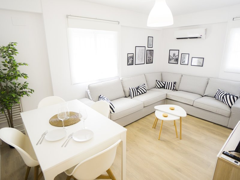 RentalSevilla Elegant and bright apartment in Triana, casa vacanza a Gelves