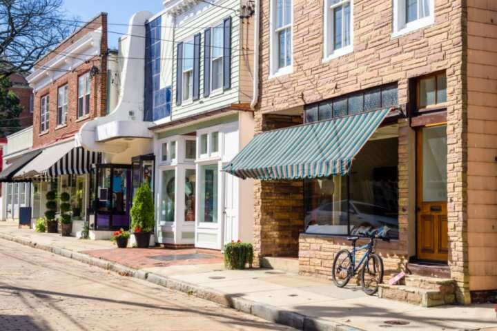 The Annapolis cobblestone streets are lined with shops and restaurants