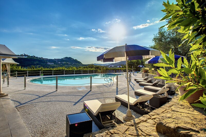 Villa Alfresco heated pool air conditioning, holiday rental in Montecatini Terme