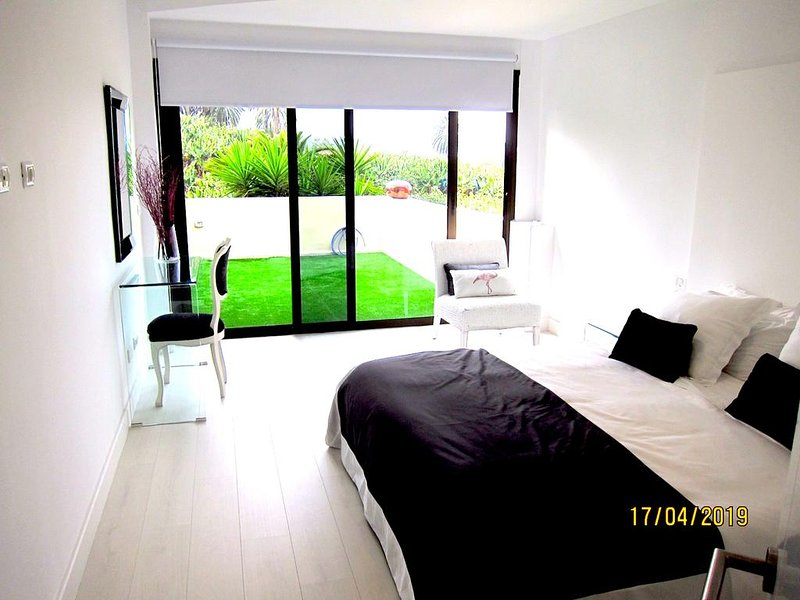 Nice apartment with shared pool, holiday rental in Punta Brava