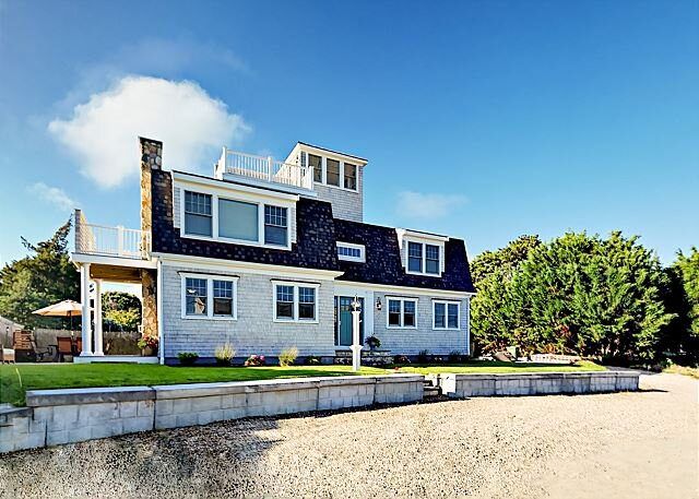 New Seaside Retreat w/ Water Views, Roof Deck & Private Beach Access, holiday rental in West Hyannisport