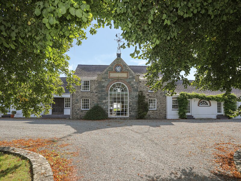 The Manor House, Rhosneigr, holiday rental in Bodedern