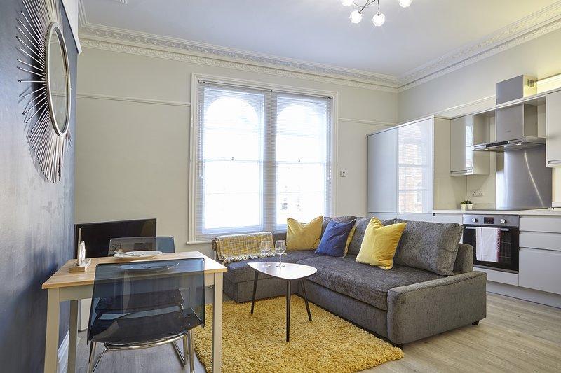 Your Apartment The Sunningdale - No.2, location de vacances à Portishead