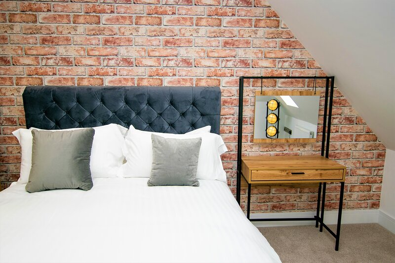 Your Apartment Rowan Tree - No.7, holiday rental in Almondsbury