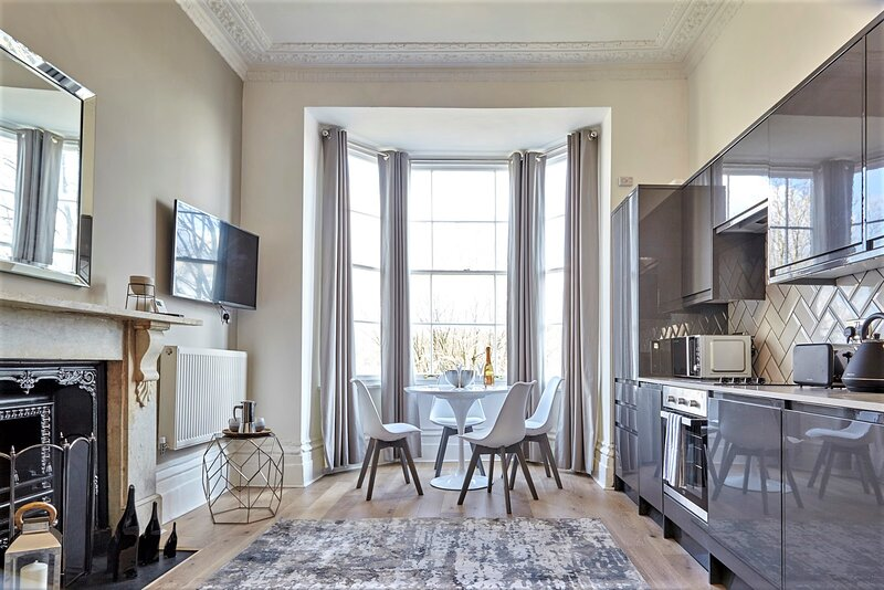 Your Apartment Dover Place - No.1, holiday rental in Dundry