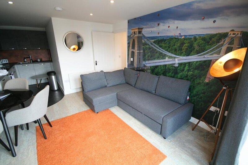 Your Apartment Brunel Loft - No.2, holiday rental in Keynsham