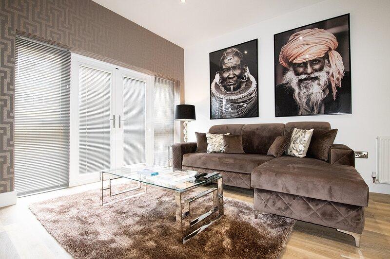 Your Apartment Rowan Tree - No.2, holiday rental in Almondsbury