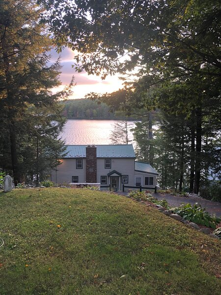 Beautiful New Hampshire get away vacation home, holiday rental in Center Barnstead