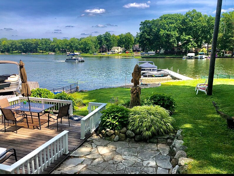 Pottery Barn style Lake House, holiday rental in Milford