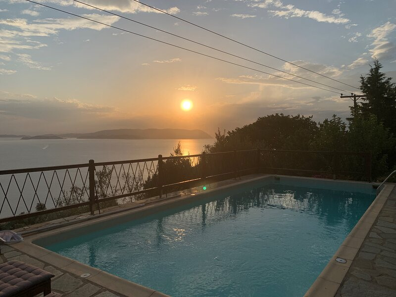 The Music House - holiday villa with pool for rent in Skopelos, Greece, casa vacanza a Loutraki