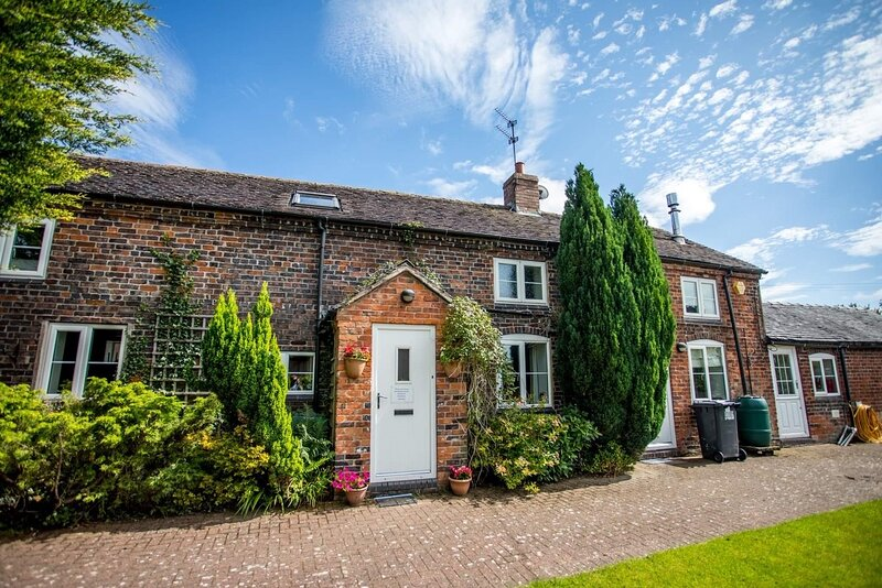Delightful North Staffs Family Country Cottage, location de vacances à Ashley