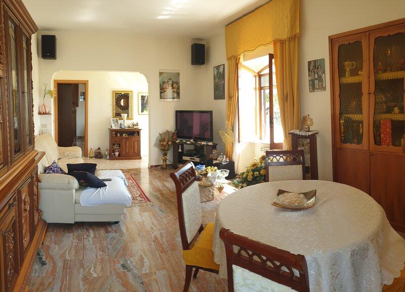 LA CASA DELLE BAMBOLE VICINO AL LAGO E AL MARE, vacation rental in Sperlonga