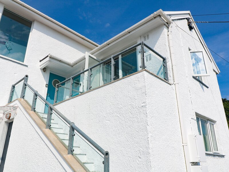 The **** Deck, Coverack, vacation rental in Coverack