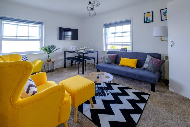 CALSHOT APARTMENT, vacation rental in Ryde