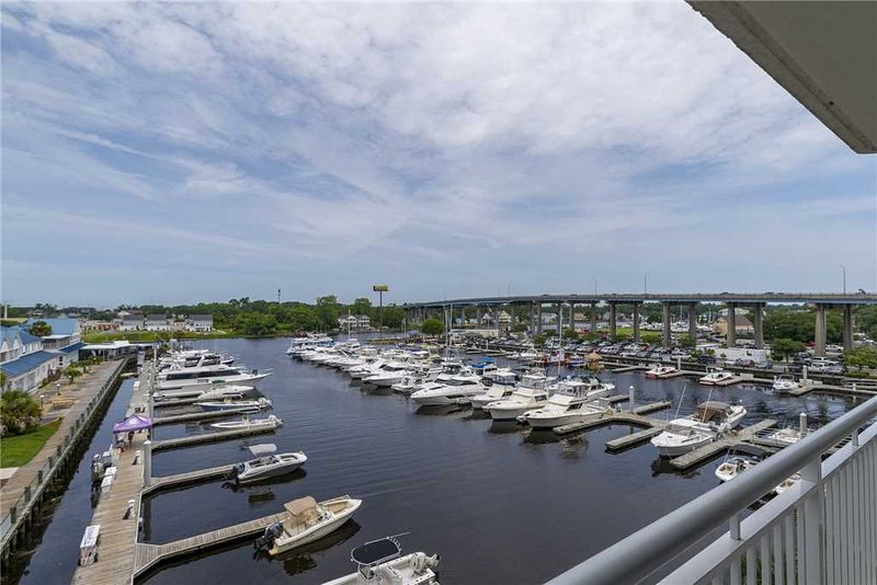 Harbourgate Marina #122, vacation rental in Longs